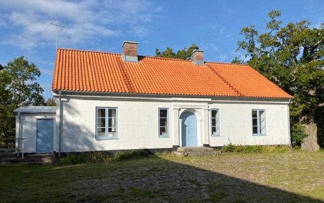 Boningshuset på Mölleröds Kungsgård efter takbytet 2019